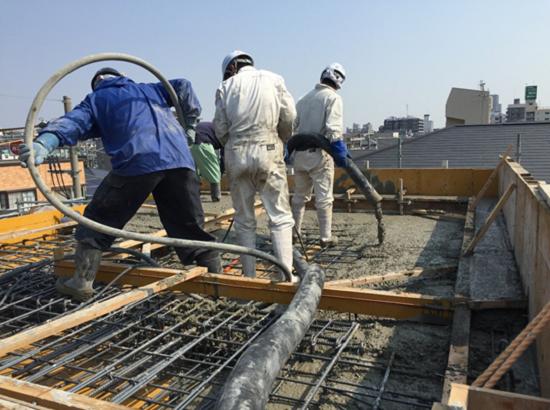 屋根部分コンクリート打設