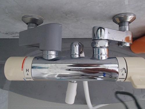 このタイプの水栓は、水漏れよりも先にサーモスタット(温度調整)が調子悪くなることがあるのです