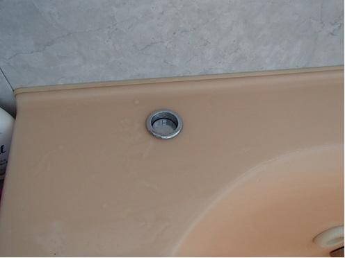 ユニットバス浴槽のポップアップ排水栓の不良