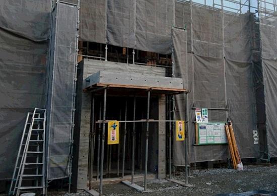 大阪・堺市内で建設中の医院建築現場
