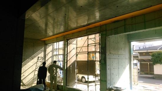 堺市内RC造医院現場リポート 南面(写真右側)には大きな開口