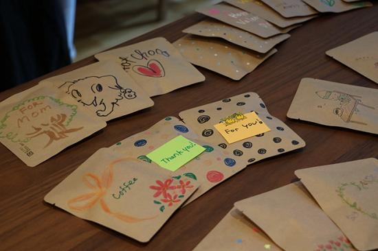 手書きデザインパッケージでブレンド珈琲とホットチョコを作るワークショップ⑱