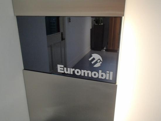 「Euromobil(ユーロモビル)」の正規販売代理店「藤屋」