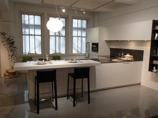 ユーロモビルは、1972年にイタリアで創業された高級キッチンブランド