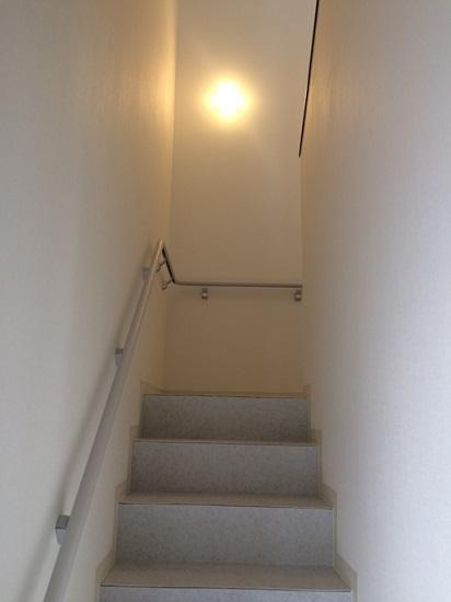 2階部分や階段室周りは内装仕上げも終わり