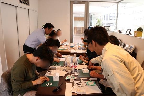 ちょっと難しい部分は、スタッフの松井と吉川がレクチャー