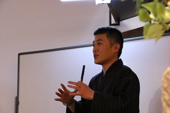 伝統風水師の小林蔵道先生をお招きしての「開運・風水セミナー」を開催