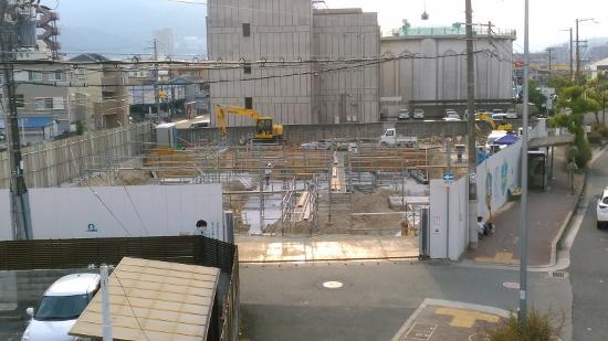 三和建設新社屋の建築工事現場の様子