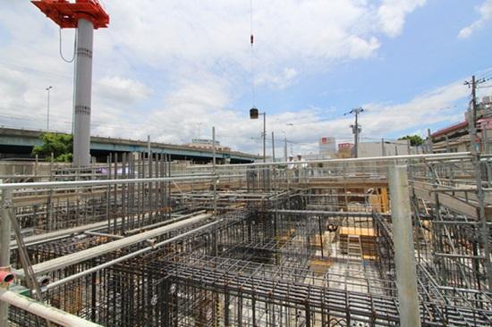 5月に着手した三和建設新社屋工事は基礎工事の真っ最中②