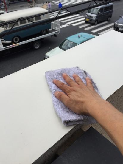 いつものように雑巾で拭いてみました