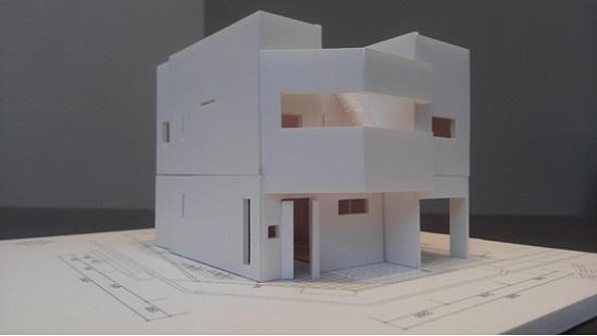 模型はいわゆる「白模型」を作ります