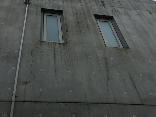窓開口端からのクラック(ひびわれ)