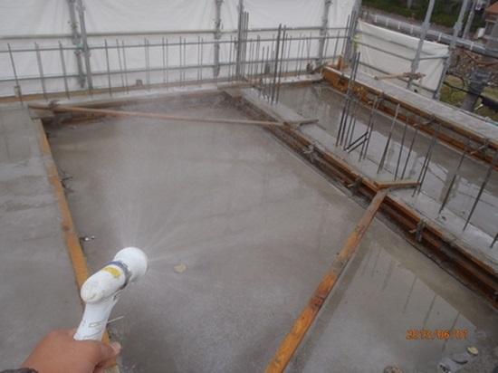 コンクリート品質管理 急激な水分蒸発をさせないようにする現場管理が必要