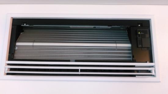 壁の中に冷媒間などを先行配管