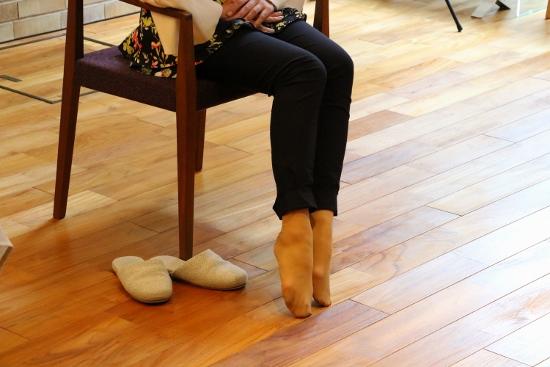 つま先を揃えて立てると、足の甲から下も長さに加えることができるとのこと