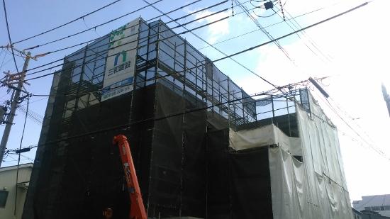芦屋で建築中のビルトインガレージのあるRC住宅