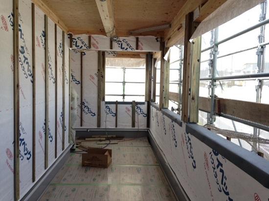 3階には各居室と繋がるインナーバルコニー