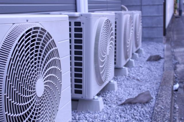 エアコン室外機の清掃も・・・