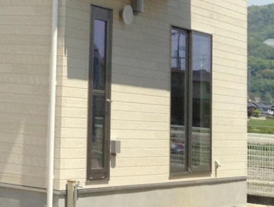 木造住宅の場合窓は外壁と同じ面になるの