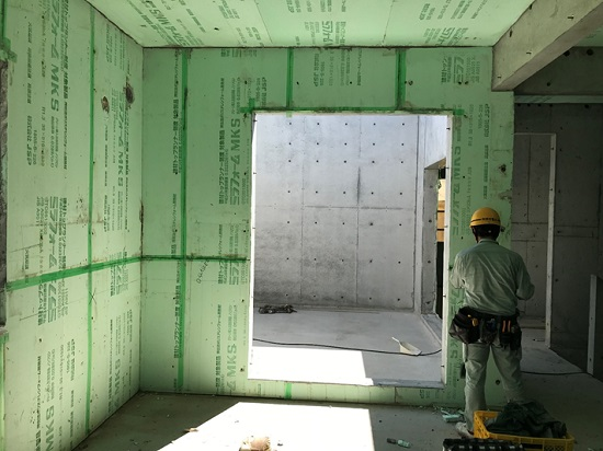 これから内部造作や外壁仕上げ工事