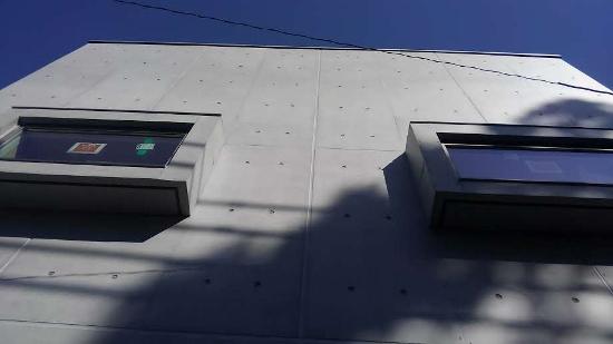 コンクリートの出窓