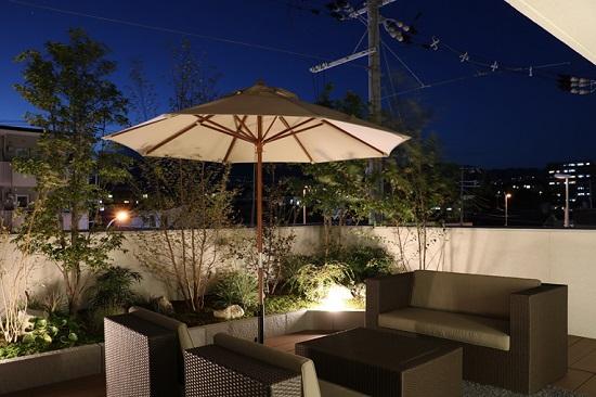 屋上庭園ライトアップ