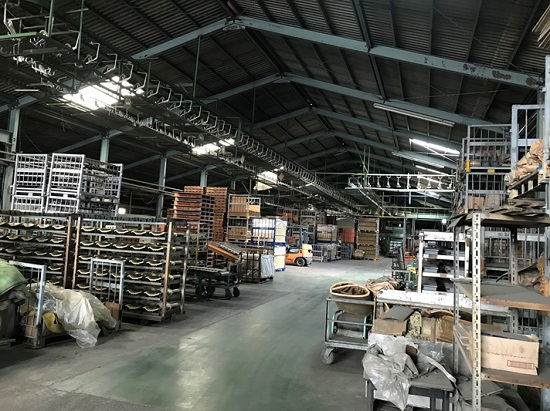 製造工場を見学