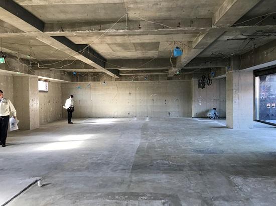 とあるマンションの1階テナントスペースを学習塾に改装
